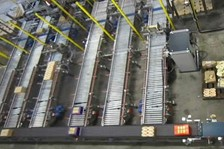 90-Degree Sorter Feeds Palletizer in a Compact Footprint