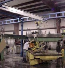 Work Station Crane Helps 1 Worker Lift 850# Granite Slabs
